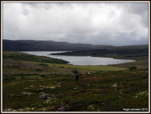 På vei ned mot Gjetsjøen.