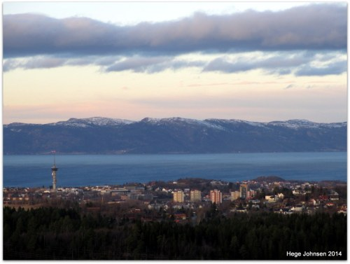 Trondheim i vinterlys.
